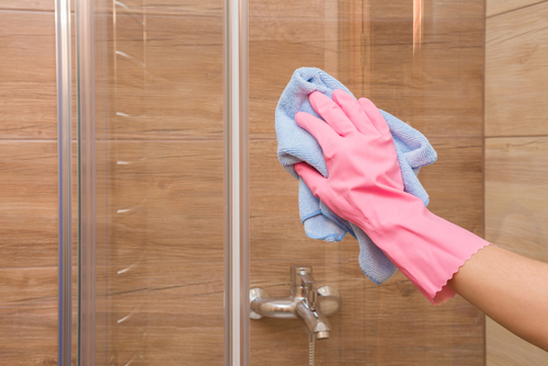 what cleans showers the best