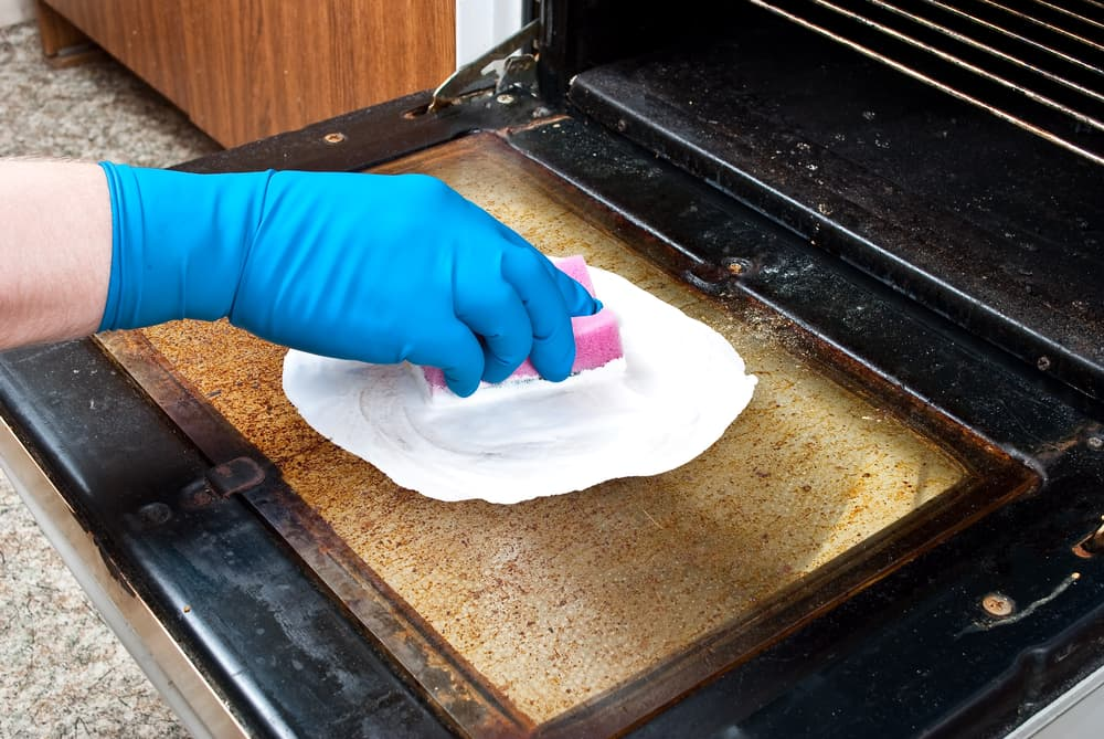 How do you clean a smelly washing machine naturally